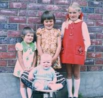Larni, Cath & Robyn and Greg