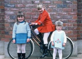 Cath, Robyn & Larni