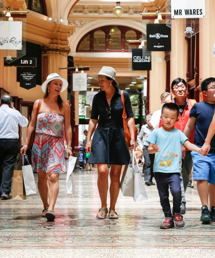 Picture taken by Adrianne Harrowfield. The Age News. 13th Jan, 2015. Tourists shopping in Melbourne. Larni Davies from Hobart and Cherida Palmer from Adelaide. The block arcade.